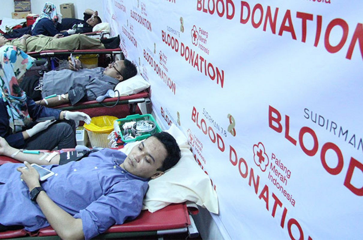 the-process-for-collecting-blood-from-donors-resize
